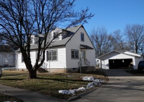 1390 8th Street - Marion